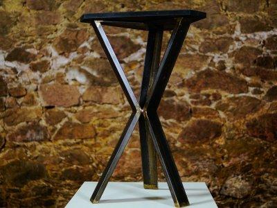 Triangle Tisch