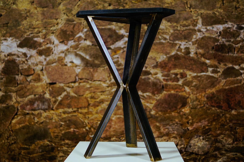 Triangle Tisch_1-2